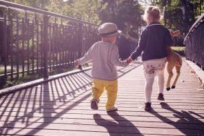 Entwicklung von Empathie und Altruismus bei Kindern – Interview mit Univ.-Prof. Dr. Stefanie Höhl