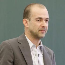 Dr. Martin Poltrum